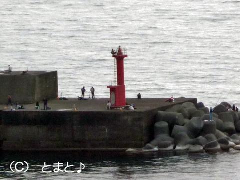 名立港西防波堤灯台